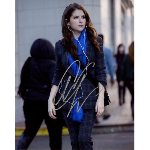 Anna Kendrick PITCH PERFECT 3 In Person Signed Photo
