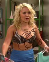 Emily Osment from the TV series YOUNG AND HUNGRY